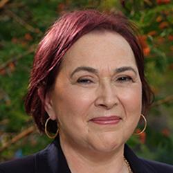 Hypnotist Solange Dunn
